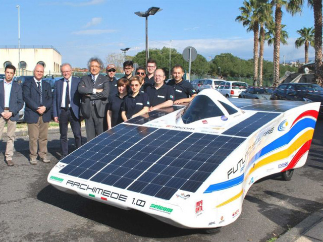 Archimede Solar Car 1.0: auto solare low budget