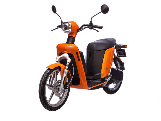 Eco-accattivante scooter Askoll per lady bikers