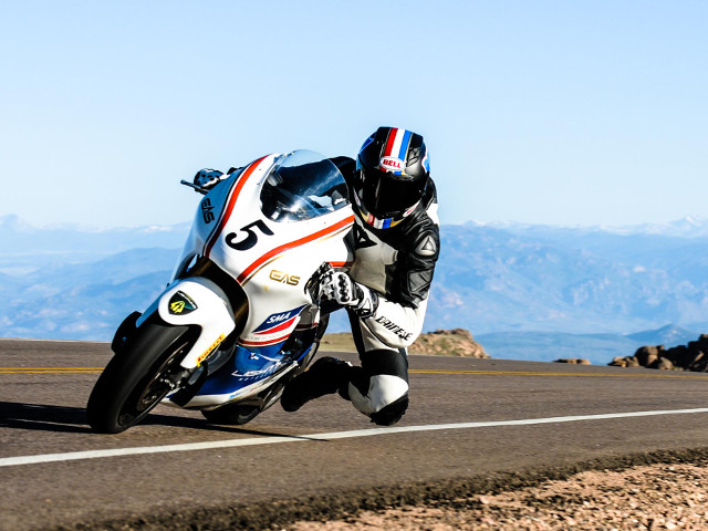 Carlin Dunne su Lightning Electric Superbike vince al Pikes Peak 2013