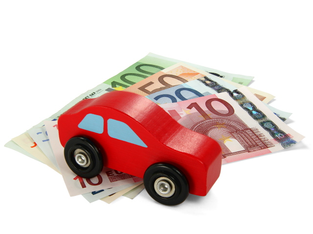 Quanto costa mantenere un 39 auto ibrida for Quanto costa un montascale a poltroncina
