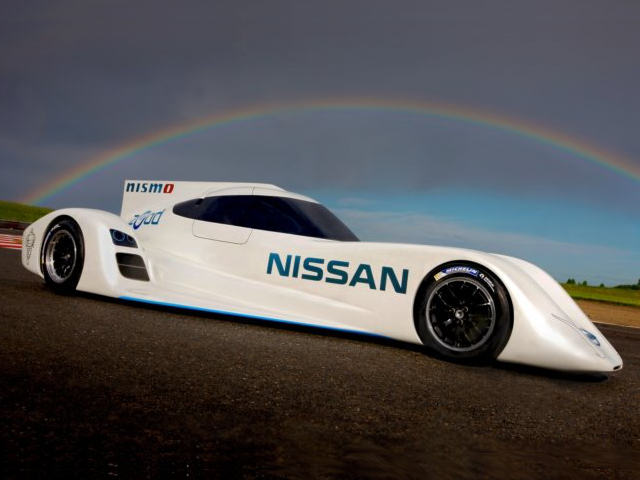 A Le Mans 2014 l'elettrica Nissan ZEOD RC